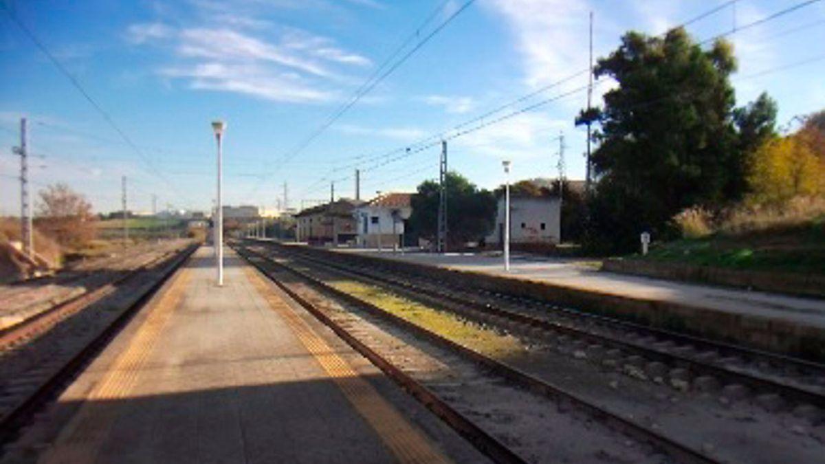 Vías del tren al paso por Aguilar de la Frontera.