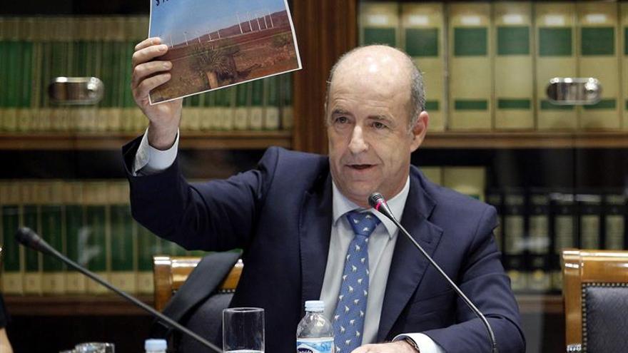 El consejero de Industria, Energía, Comercio y Consumo del Gobierno de Canarias, Pedro Ortega.