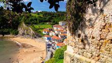Tazones, en Asturias, conmemora cada verano el desembarco del Emperador Carlos V.
