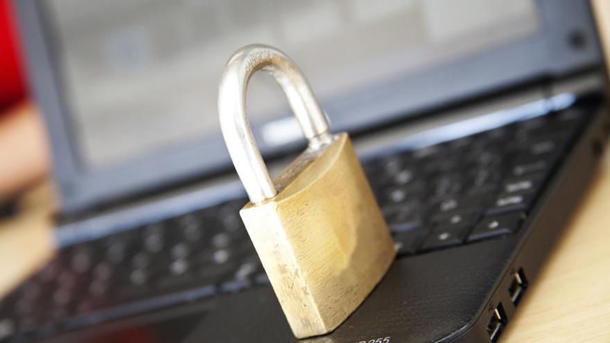 ¿Hay algún candado que los trabajadores de Facebook no puedan abrir? (Foto: Ministerio TIC Colombia en Flickr)