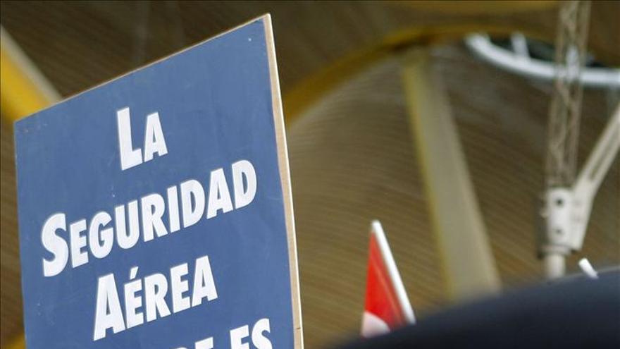 Trabajadores aéreos se manifiestan contra la nueva ley de limites de trabajo