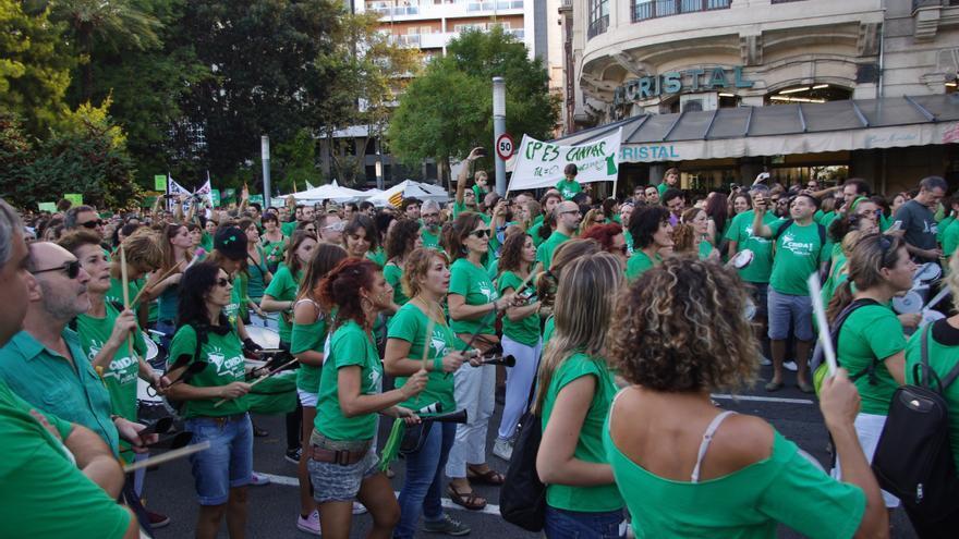La manifestación se ha desarrollado en medio de un ambiente festivo / J.M.