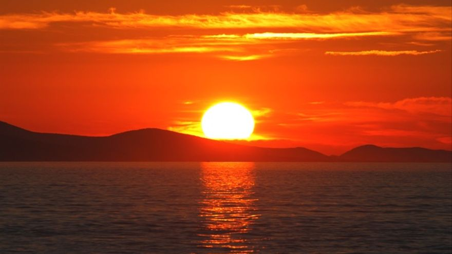 Por qué tomar el sol a través del cristal no sirve para hacer vitamina D