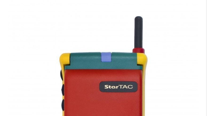 Motorola StarTac Rainbow (Foto: Reinaissancechambara)