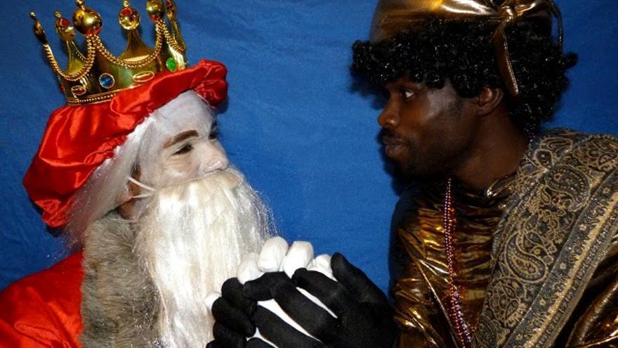Imágenes de la campaña de la fundación Órbita Diversa '¿Los Reyes Magos manchan? Sí, de racismo'.