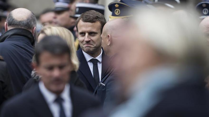 """La campaña electoral de Macron es víctima de """"hackers"""" rusos"""