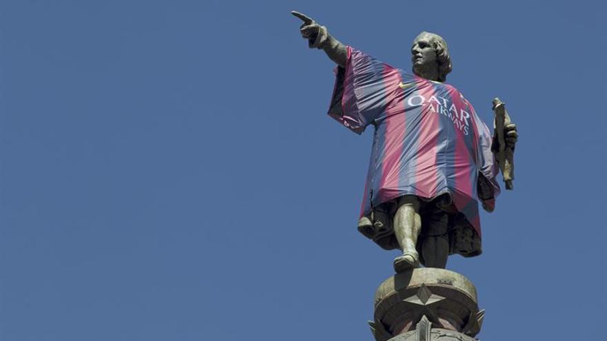 La estatua de Colón seguirá señalando a América desde Barcelona
