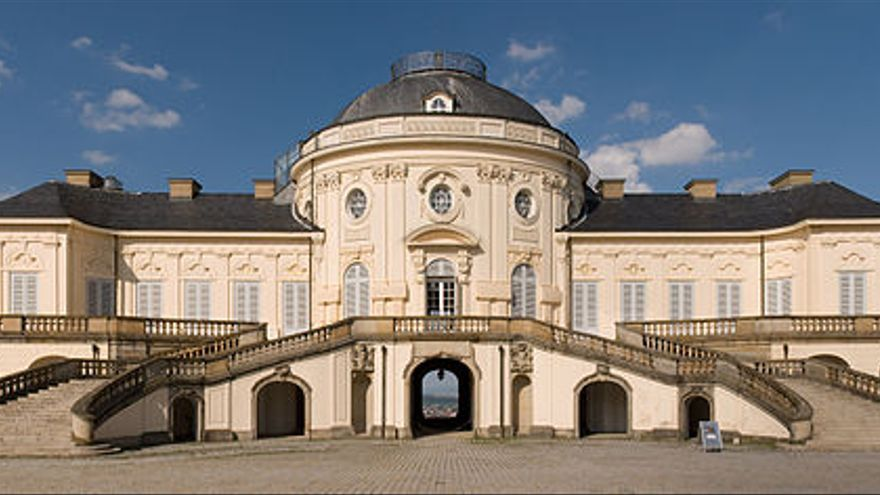 Schloss Solitude (Stuttgart, Alemania) [foto por pij56, Creative Commons BY]