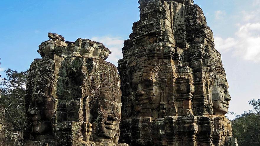 Cara sonriente tallada en uno de los muchos templos de Angkor.
