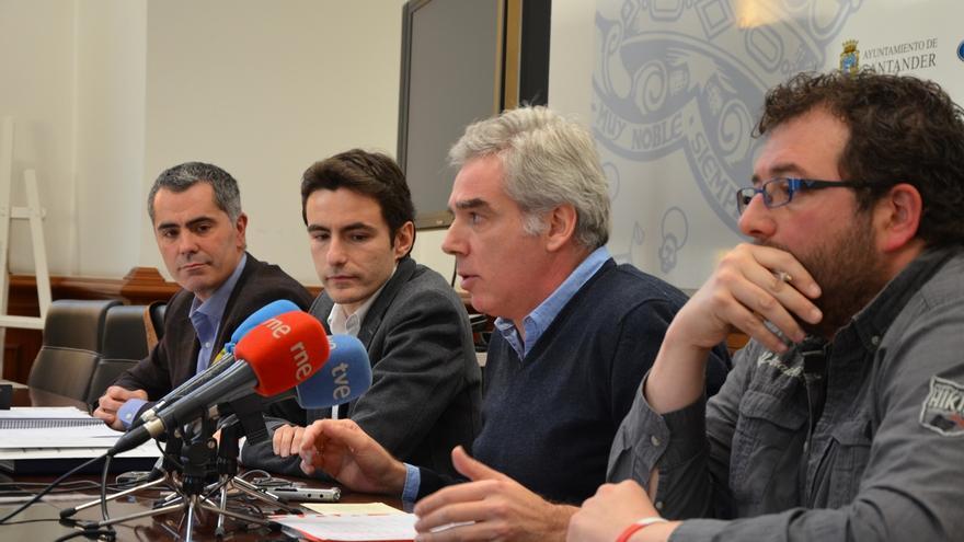 Oposición denuncia la falta de democracia y negociación en la composición y asignación de los grupos
