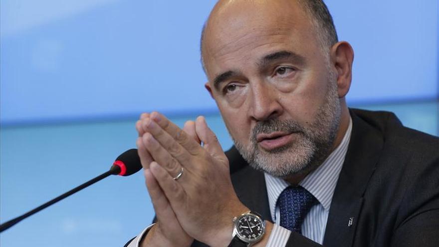 """Moscovici afirma que no siente """"inquietud"""" ante las elecciones en Grecia"""
