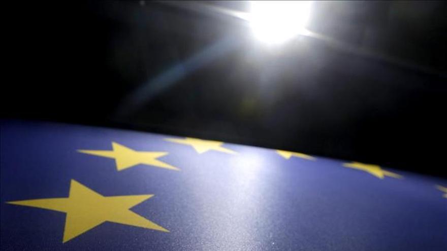 El último sondeo europeo amplía la ventaja de los conservadores sobre los socialistas