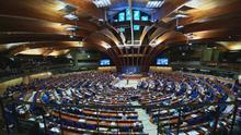 Sexismo, acoso y violencia contra las mujeres en los parlamentos europeos: el 85% de las diputadas dice haber sufrido violencia psicológica