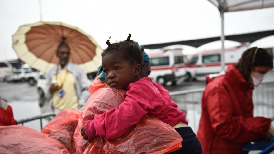 Rescatados en el Mediterráneo central desembarcan en Catania, Sicilia, desde la cubierta del Dignity I. Copyright: Sara Creta/MSF
