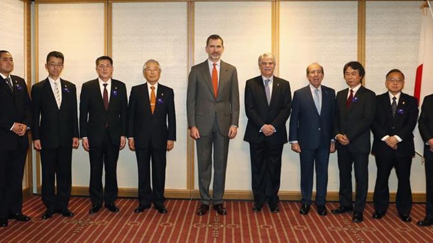 Los premios nipones Príncipe de Asturias se reencuentran con el rey de España
