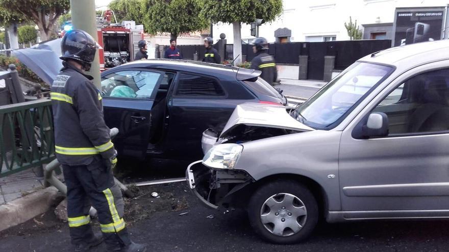 Accidente en la confluencia de las calles Juan XXIII y Tomás Morales.