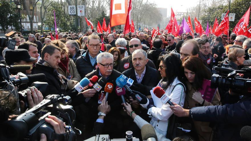 De izquierda a derecha, los líderes de UGT y CCOO, Ignacio Fernández Toxo y  Pepe Álvarez