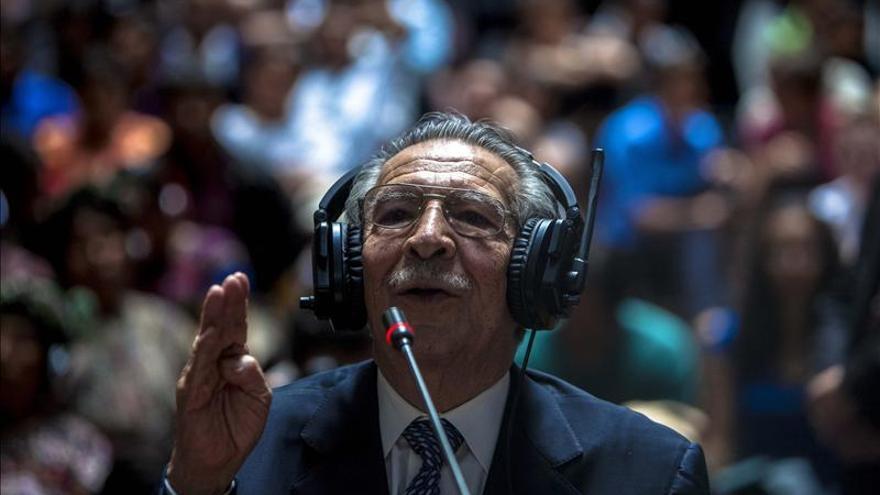 Ríos Montt, hospitalizado de urgencia tras sufrir un desmayo