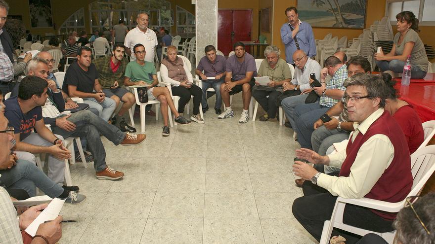 Asamblea LPGC Puede en Lomo Los Frailes. (ALEJANDRO RAMOS)