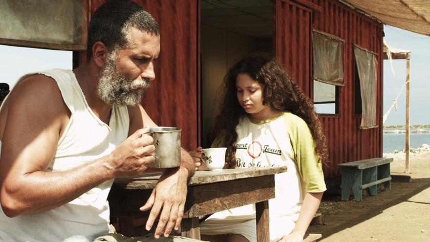 Fotograma del filme 'Cazando luciérnagas'