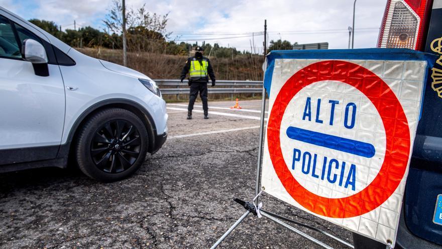 Europa pide confinar regiones de alto riesgo y reducir viajes no esenciales