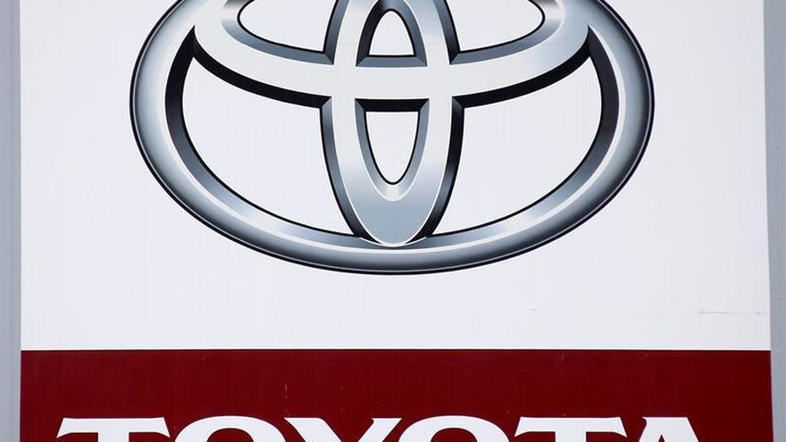 EFE apuesta por tecnología híbrida al renovar su flota con modelos de Toyota