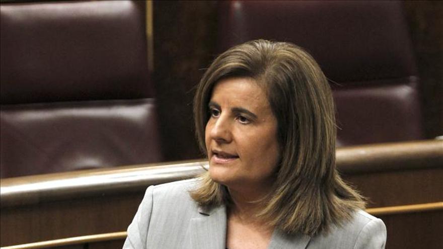 Báñez pide al PSOE que no alarme sobre el subsidio para mayores de 55 años