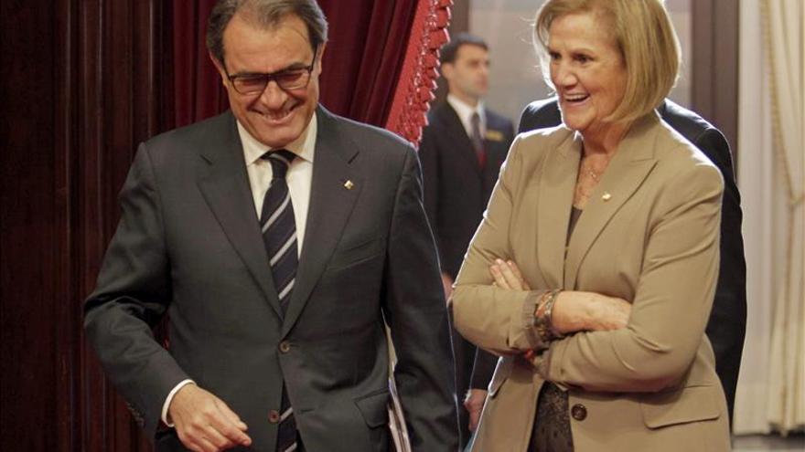 Mas dice que el Estado no da miedo a los catalanes y acusa al PP de recurrir a la Fiscalía