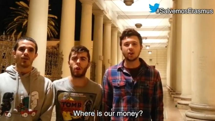 Germán Fernández (izquierda) en el vídeo #SalvemosErasmus