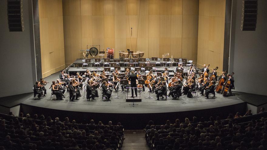 Imagen de archivo de la Orquesta Sinfónica de Tenerife, en una audición en el Auditorio
