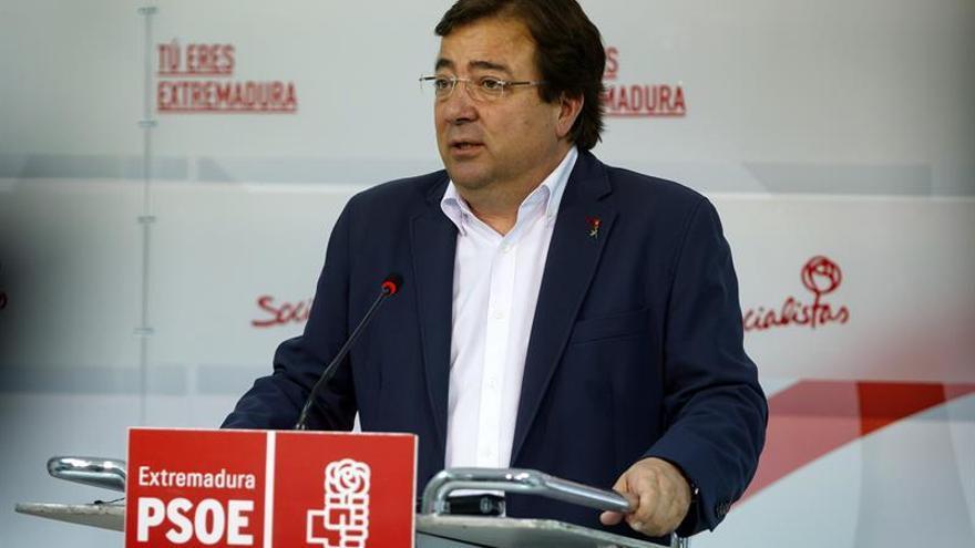 Vara asegura que dará toda su ayuda a Sánchez y que se presentará a la reelección