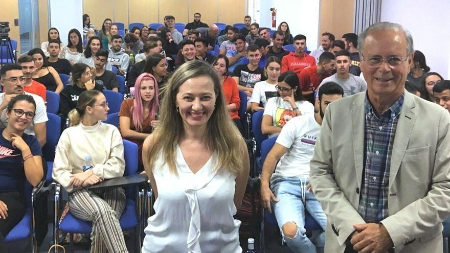 Victoria Rosell, en un encuentro con estudiantes en Gran Canaria