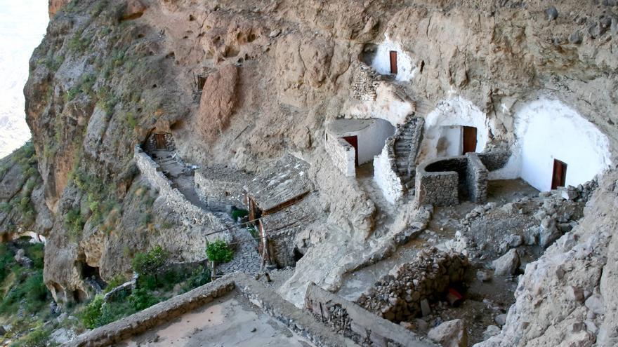 Casas Cueva de Acusa Seca, uno de los últimos poblados trogloditas de Gran Canaria. VIAJAR AHORA