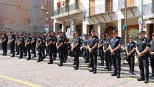 La enmienda que permitirá mantener policías locales interinos allana que sigan medio millar de agentes en situación precaria