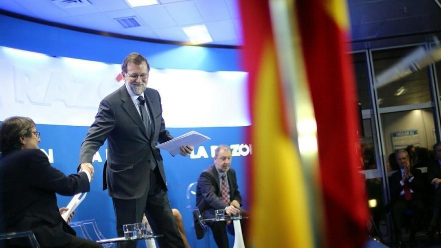 """Rajoy, sobre si se ve como jefe de la oposición si no logra gobernar: """"Me veo en muchos sitios"""""""