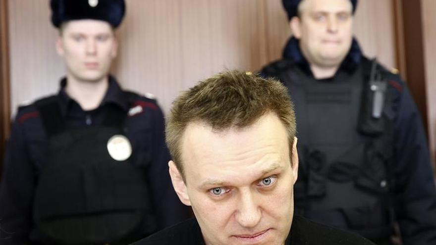 El opositor ruso Navalni teme perder la vista en un ojo tras sufrir un ataque