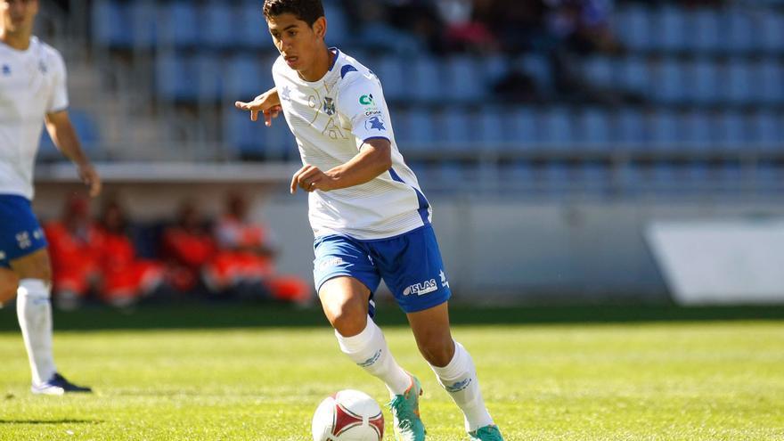 Ayoze Pérez, en el Tenerife-Ourense de la 12-13, temporada de su debut profesional con 19 años