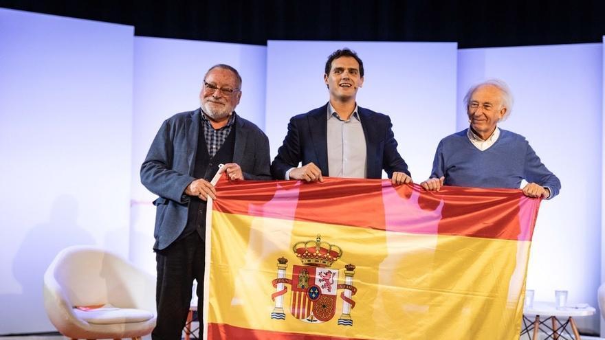 """Rivera critica que el Gobierno ha acabado haciendo una """"exhumación de Estado"""" a Franco """"con todos los honores"""""""