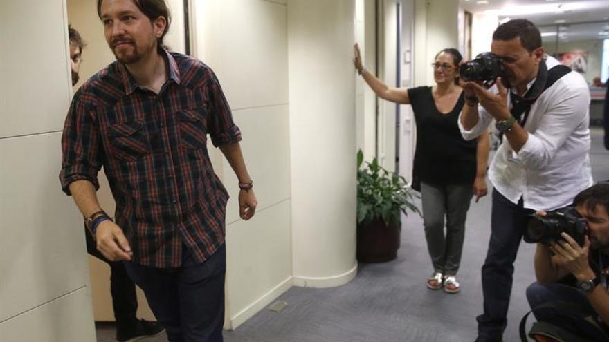 Pablo Iglesias exigirá hoy a De Guindos en comisión explicaciones por Soria