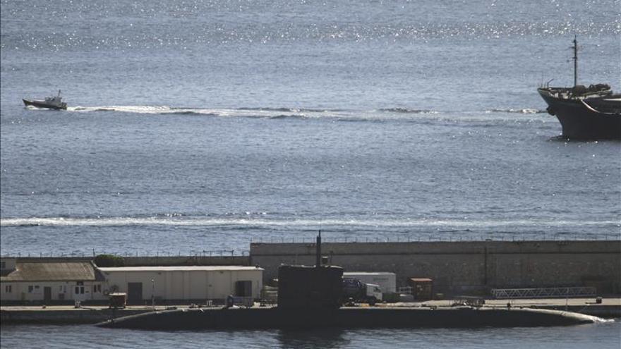 """Recala en Gibraltar el submarino nuclear """"HMS Triumph"""""""