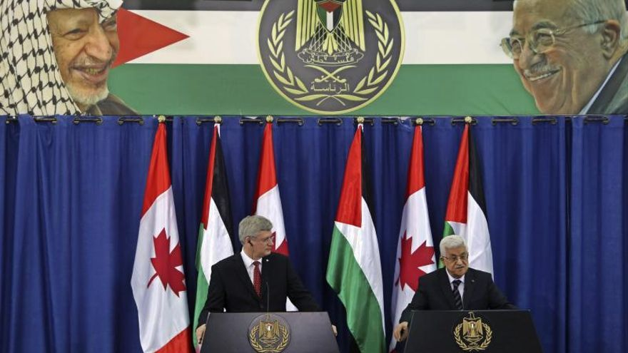 La OLP critica la política canadiense durante la visita de Harper a Ramala