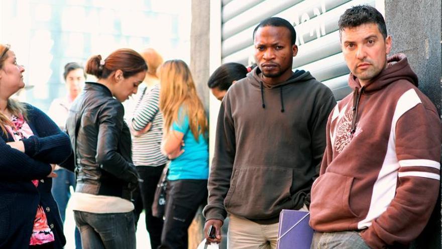 La afiliación de extranjeros subió a 1.733.626 personas en octubre, 6.592 más