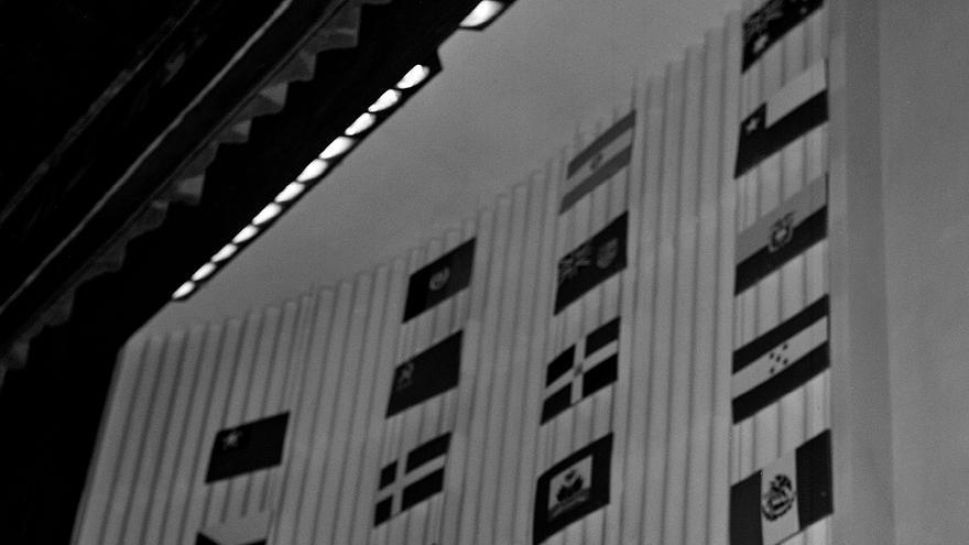 En Palais de Chaillot, la india Lakshmi Menon se dirige a la Asamblea General antes de la aprobación de la Declaración Universal de Derechos Humanos, en París (Francia), el 9 de diciembre de 1948.