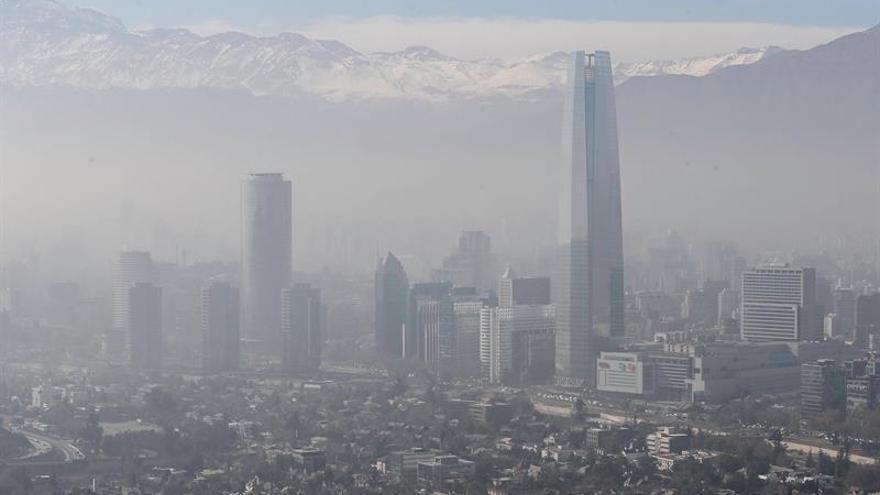 Santiago de Chile de nuevo bajo alerta ambiental por la contaminación del aire