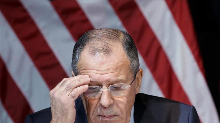 """Lavrov: """"quisiéramos"""" en seis meses un gobierno de transición en Siria"""
