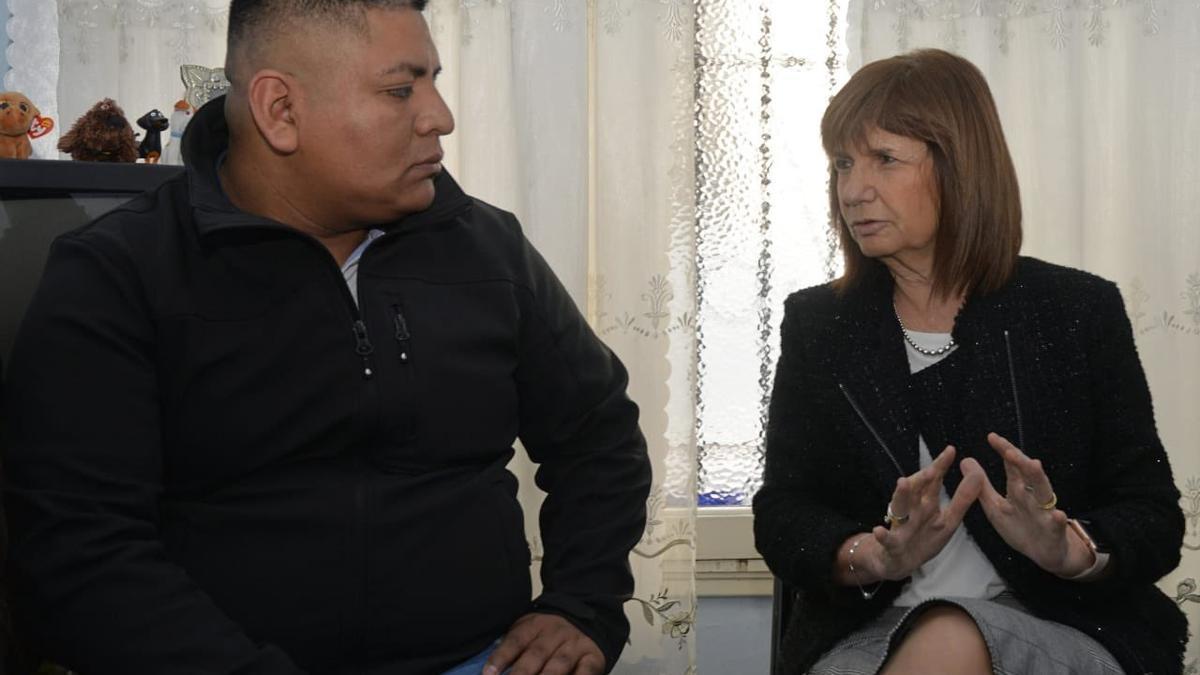 Patricia Bullrich posteó una foto junto a Luis Chocobar.