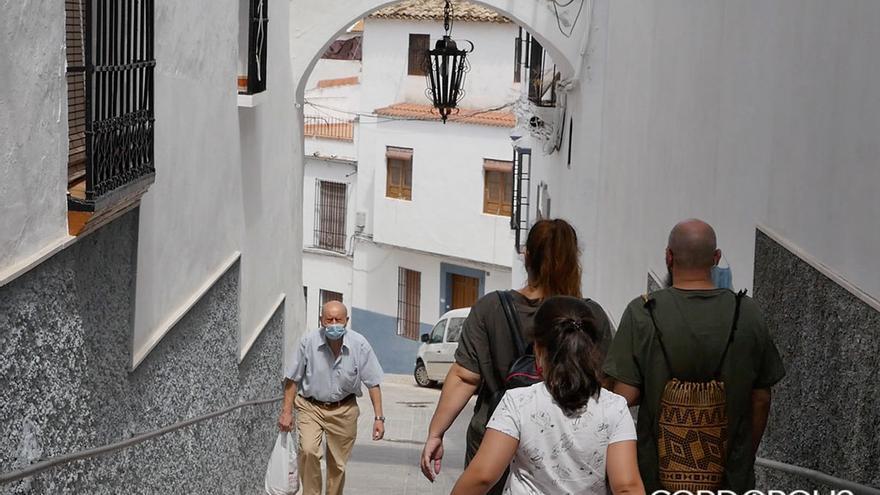 Castro del Río: pueblo-fortaleza con una muralla que abraza la antigua ciudad