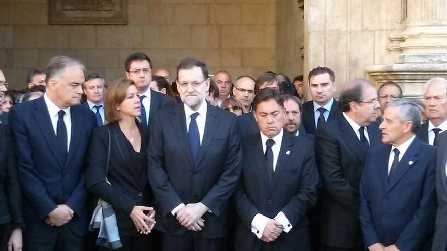 Mariano Rajoy, María Dolores de Cospedal, Estaban González Pons y Óscar López, en la capilla ardiente