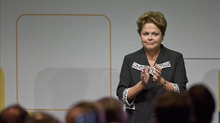 Médicos elogian la salud de Rousseff tras someterla a exámenes en el hospital