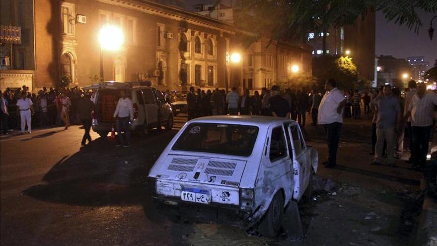 3 civiles y 6 soldados resultan heridos en dos explosiones en Egipto